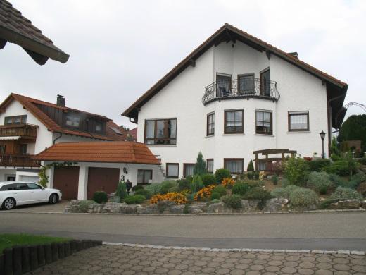 72581 Dettingen/Erms, Zweifamilienwohnhaus