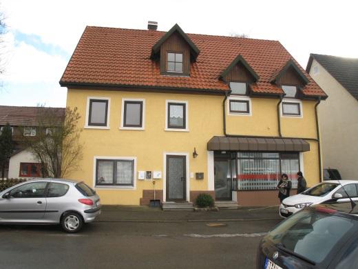72525 Münsingen, Wohn- und Geschäftshaus