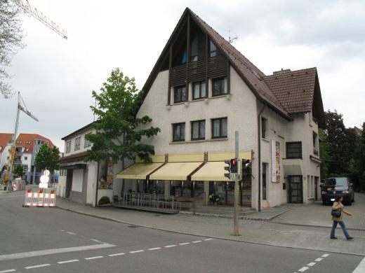 """72555 Metzingen, Wohn- und Geschäftshaus in der """"Outletcity"""""""