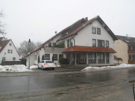 72587 Römerstein-Zainingen, Wohn- und Geschäftshaus